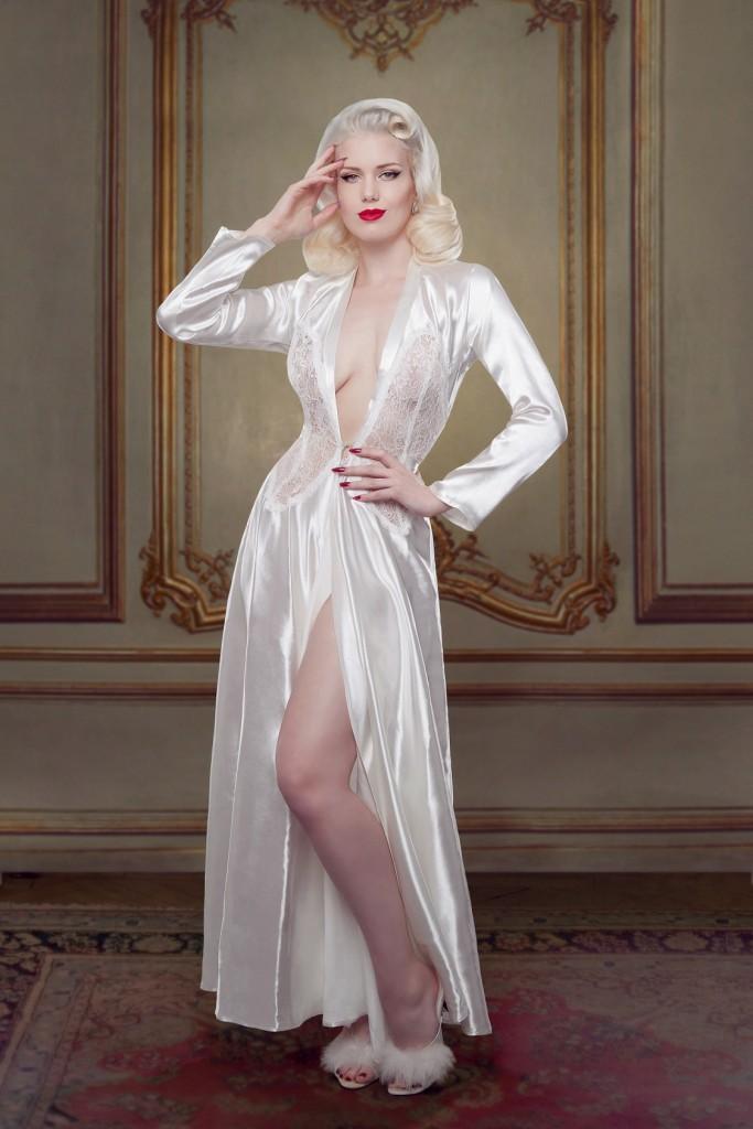 Betty Bridal_Ivory Nell Robe (1)