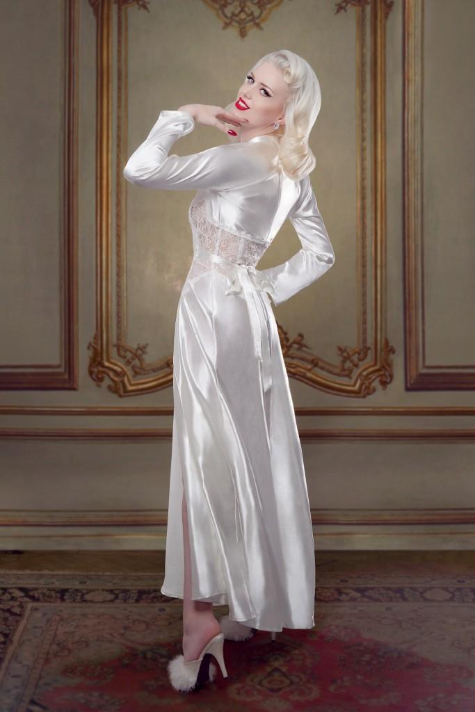 Betty Bridal_Ivory Nell Robe (2)