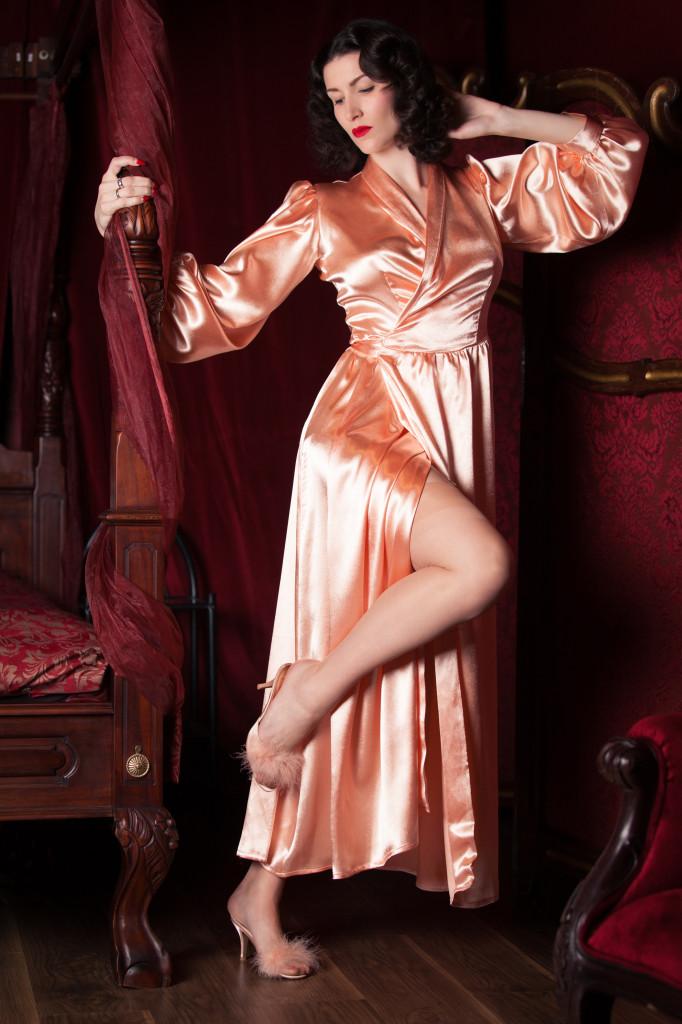 Die Peach Betty Robe (Bild: Tigz Rice Studios 2013)