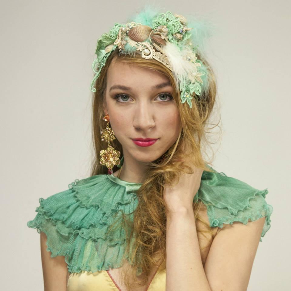 Helen Valk Varavin_Flora Ruffled Silk Collar_mint green