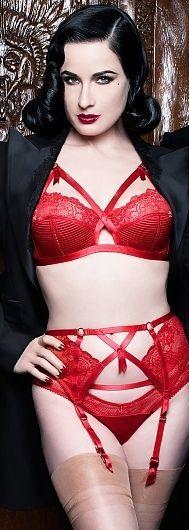 Dita von Teese_Madam X BH ohne Bügel, Slip + Strumpfgürtel_Deep Red (AW 2014)