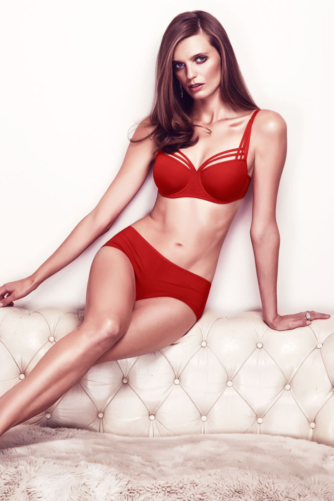 Marlies Dekkers_Dame de Paris Balconette-BH + Brazilian Shorty_red