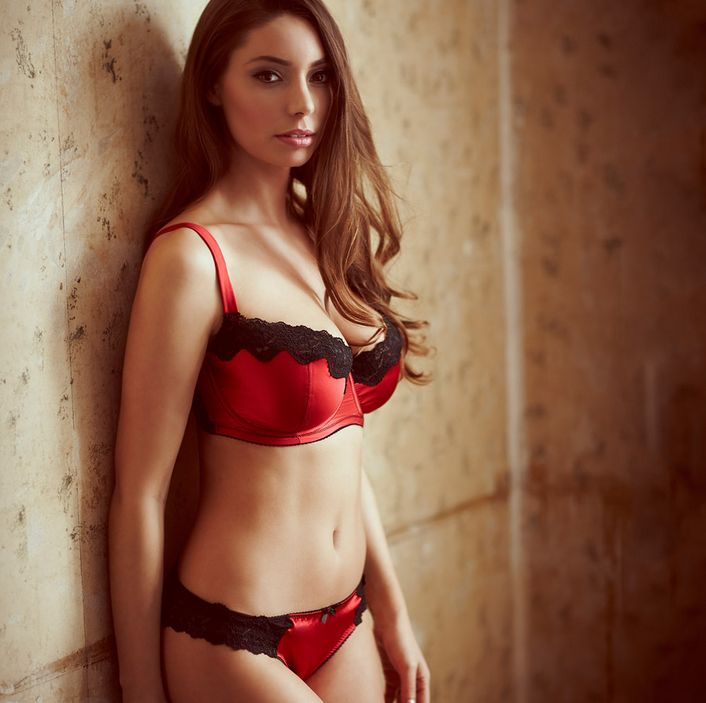 Bosom Galore_Classic Bra + Knickers_Red (Debut SS15)