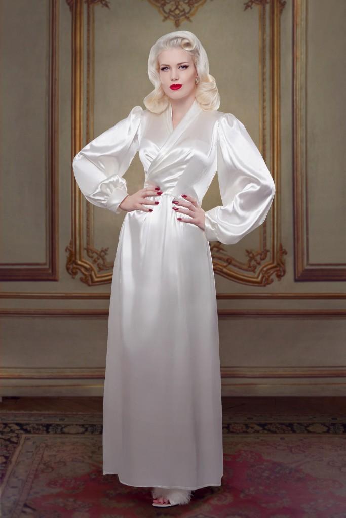 Betty Bridal_Ivory Silk Bettie Robe (1)
