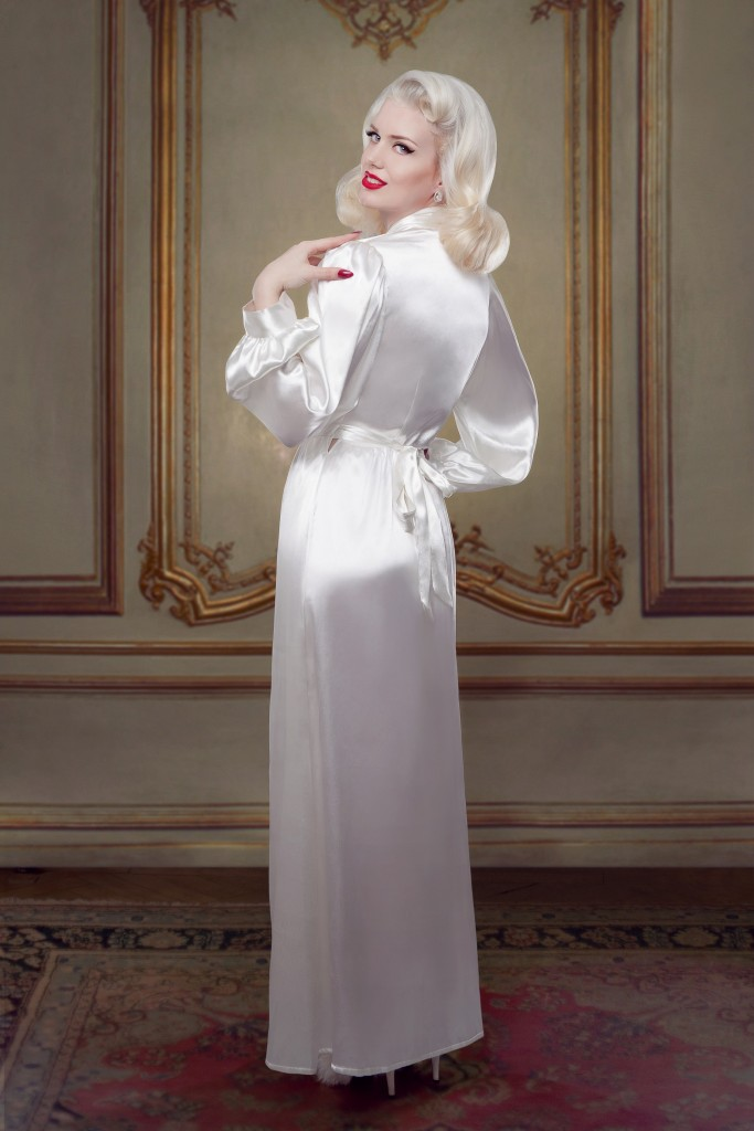 Betty Bridal_Ivory Silk Bettie Robe (2)