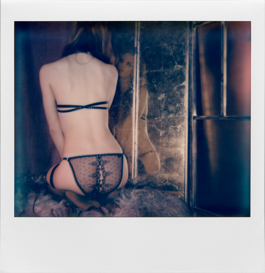 Karolina Laskowska_Girls that Glitter_Emilia 2 (Polaroid)