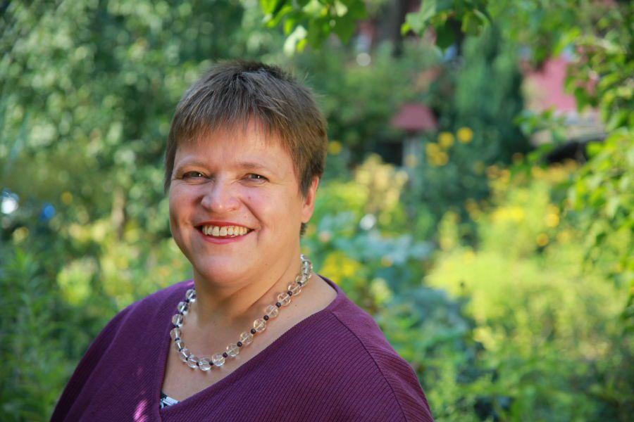 Portrait Gisela Enders 1