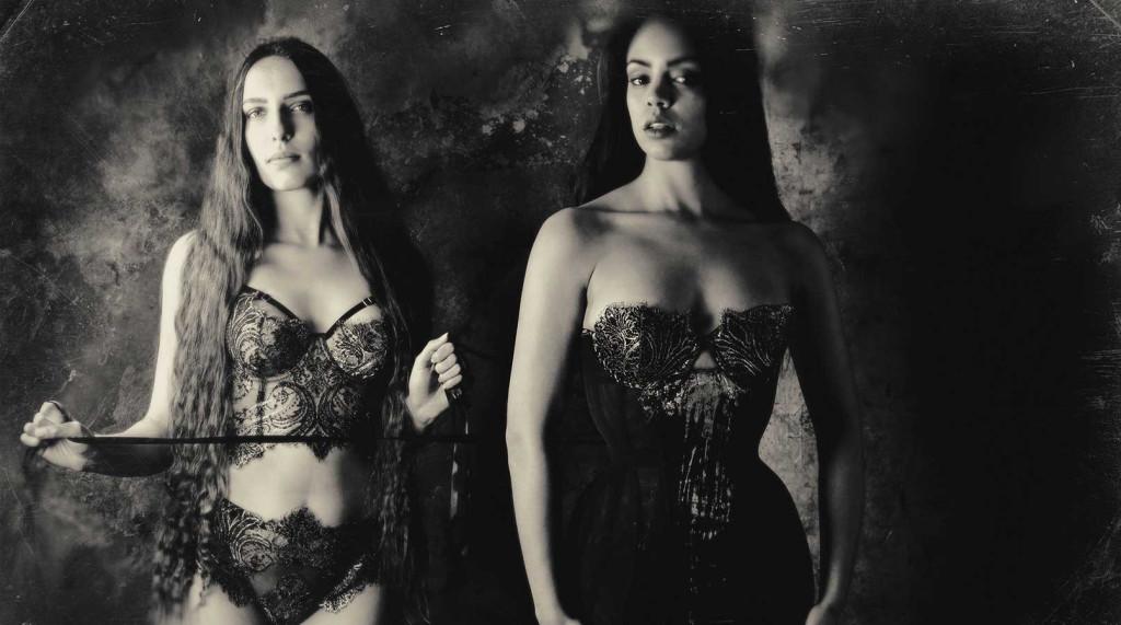Karolina Laskowska_Cassiopeia+Klimt (Celestial Bodies) - Jenni Hampshire (black+white)